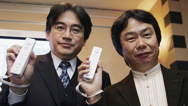 岩田聡氏(写真左)宮本茂氏(写真右)